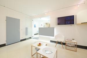 Gesundheitszentrum Laakirchen Wartezimmer Tür Empfang